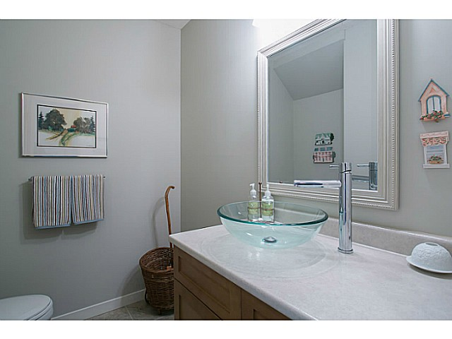 "Photo 12: 47 4800 TRIMARAN Drive in Richmond: Steveston South Townhouse for sale in ""BIRCHWOOD ESTATES"" : MLS(r) # V1047659"
