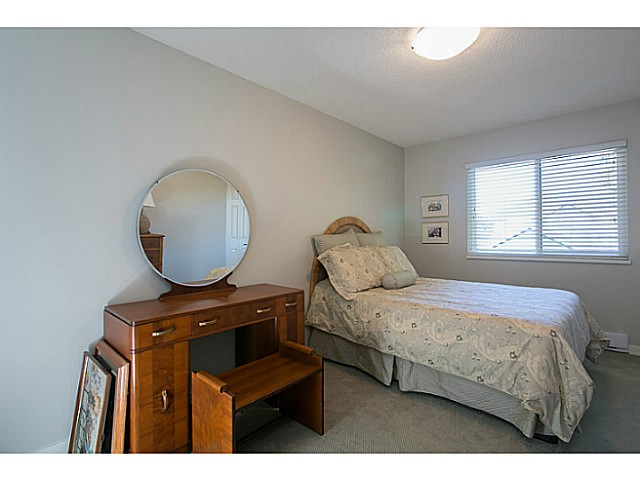 "Photo 7: 47 4800 TRIMARAN Drive in Richmond: Steveston South Townhouse for sale in ""BIRCHWOOD ESTATES"" : MLS(r) # V1047659"