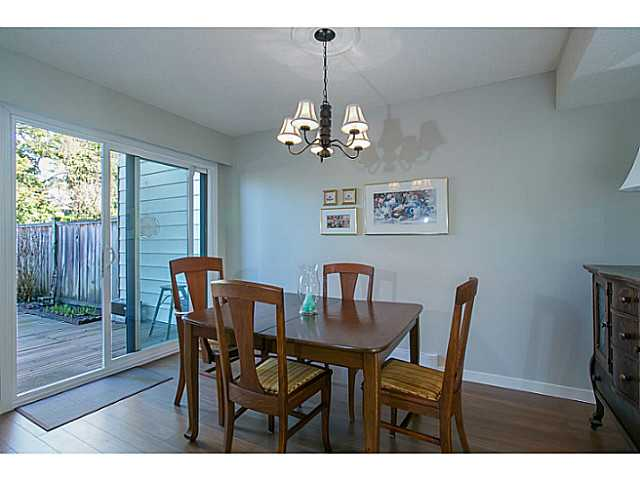"Photo 4: 47 4800 TRIMARAN Drive in Richmond: Steveston South Townhouse for sale in ""BIRCHWOOD ESTATES"" : MLS(r) # V1047659"