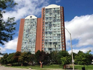 Main Photo: 13 4185 Shipp Drive in Mississauga: City Centre Condo for sale : MLS®# W3015067