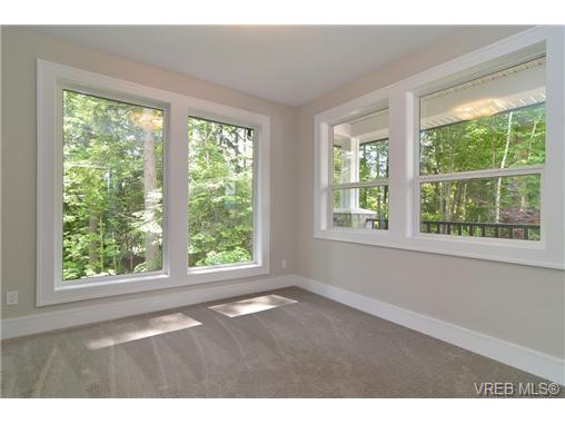 Photo 9: 111 Parsons Road in VICTORIA: VR Six Mile Single Family Detached for sale (View Royal)  : MLS® # 343219