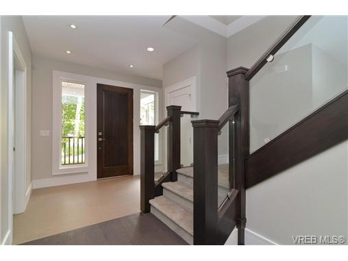 Photo 7: 111 Parsons Road in VICTORIA: VR Six Mile Single Family Detached for sale (View Royal)  : MLS® # 343219