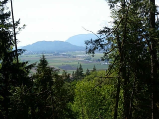Main Photo: 7500 PATTERSON Road in Chilliwack: Eastern Hillsides Home for sale : MLS® # H1404594