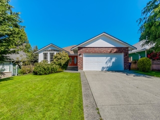 Main Photo: 12635 19TH Avenue in Surrey: Crescent Bch Ocean Pk. House for sale (South Surrey White Rock)  : MLS® # F1440710