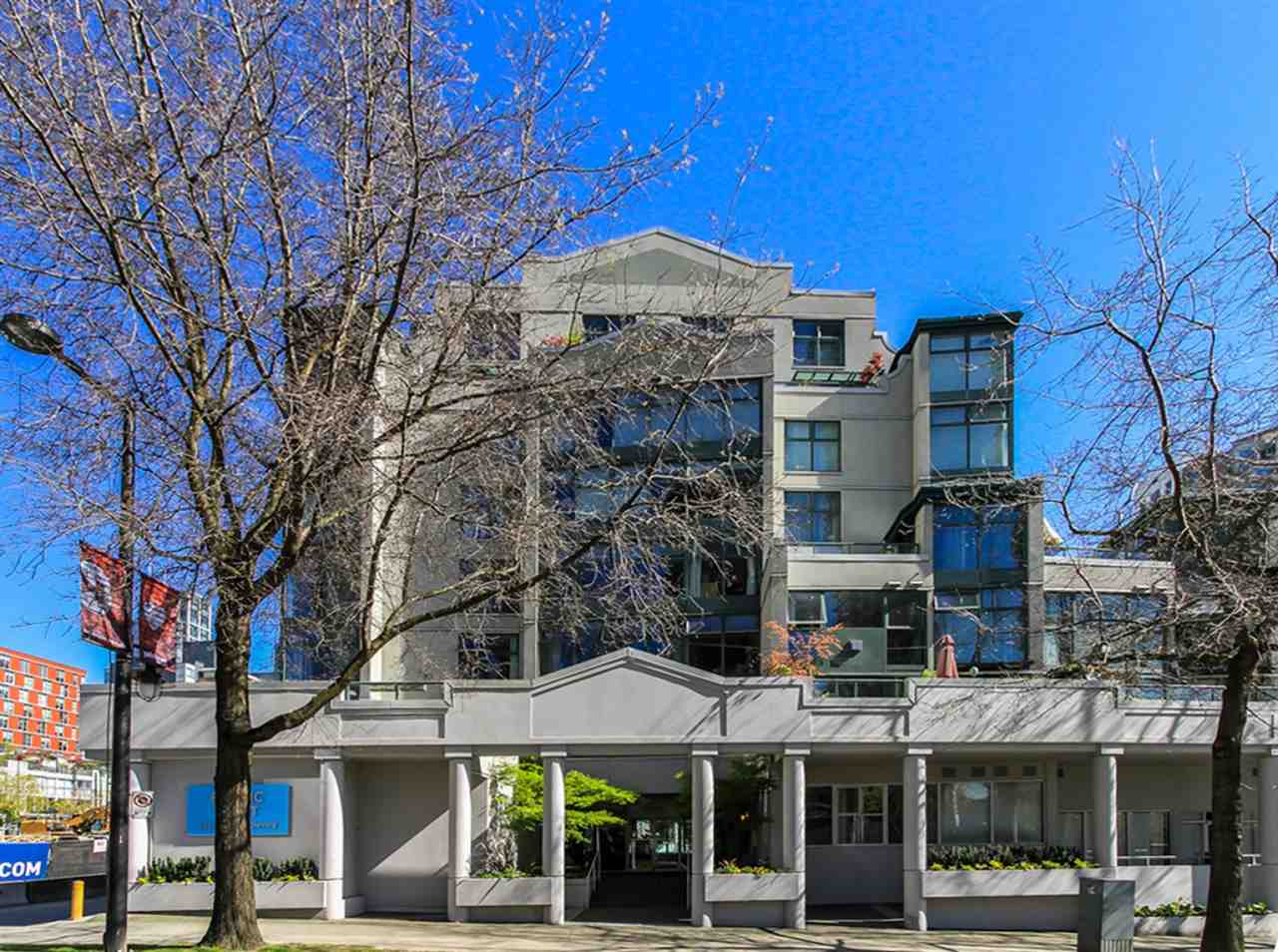 "Main Photo: A307 431 PACIFIC Street in Vancouver: Yaletown Condo for sale in ""PACIFIC POINT"" (Vancouver West)  : MLS®# R2004200"