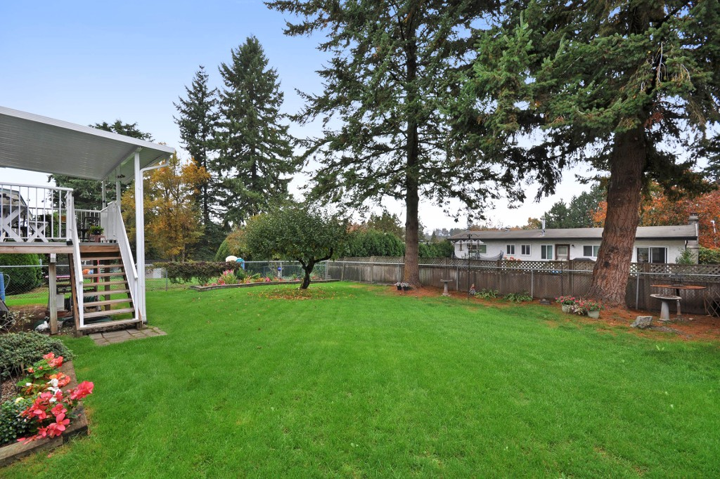 Photo 18: 3818 CHADSEY Crescent in Abbotsford: Central Abbotsford House for sale : MLS® # R2009421