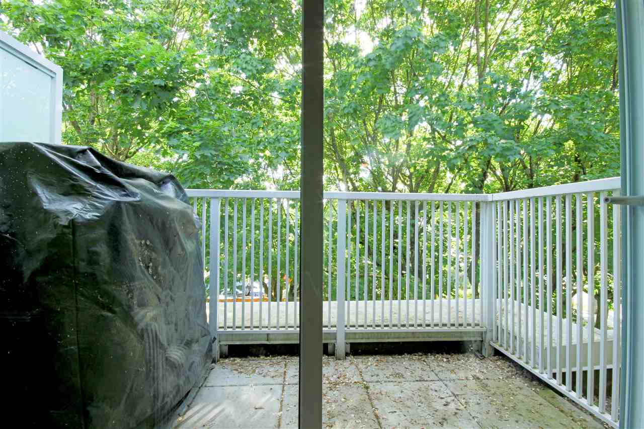 "Photo 15: 409 2755 MAPLE Street in Vancouver: Kitsilano Condo for sale in ""DAVENPORT LANE"" (Vancouver West)  : MLS® # R2069403"