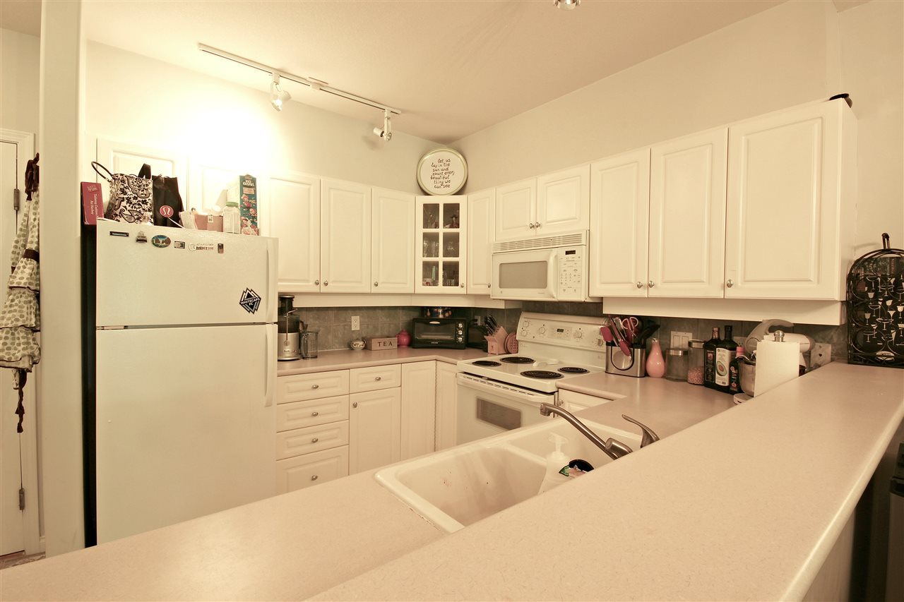 "Photo 8: 409 2755 MAPLE Street in Vancouver: Kitsilano Condo for sale in ""DAVENPORT LANE"" (Vancouver West)  : MLS® # R2069403"