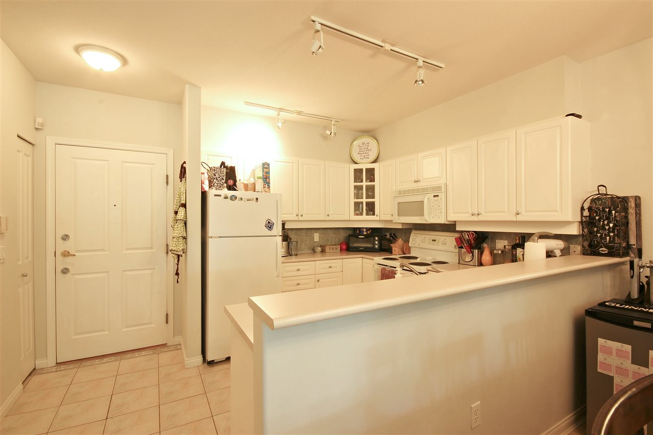 "Photo 6: 409 2755 MAPLE Street in Vancouver: Kitsilano Condo for sale in ""DAVENPORT LANE"" (Vancouver West)  : MLS® # R2069403"