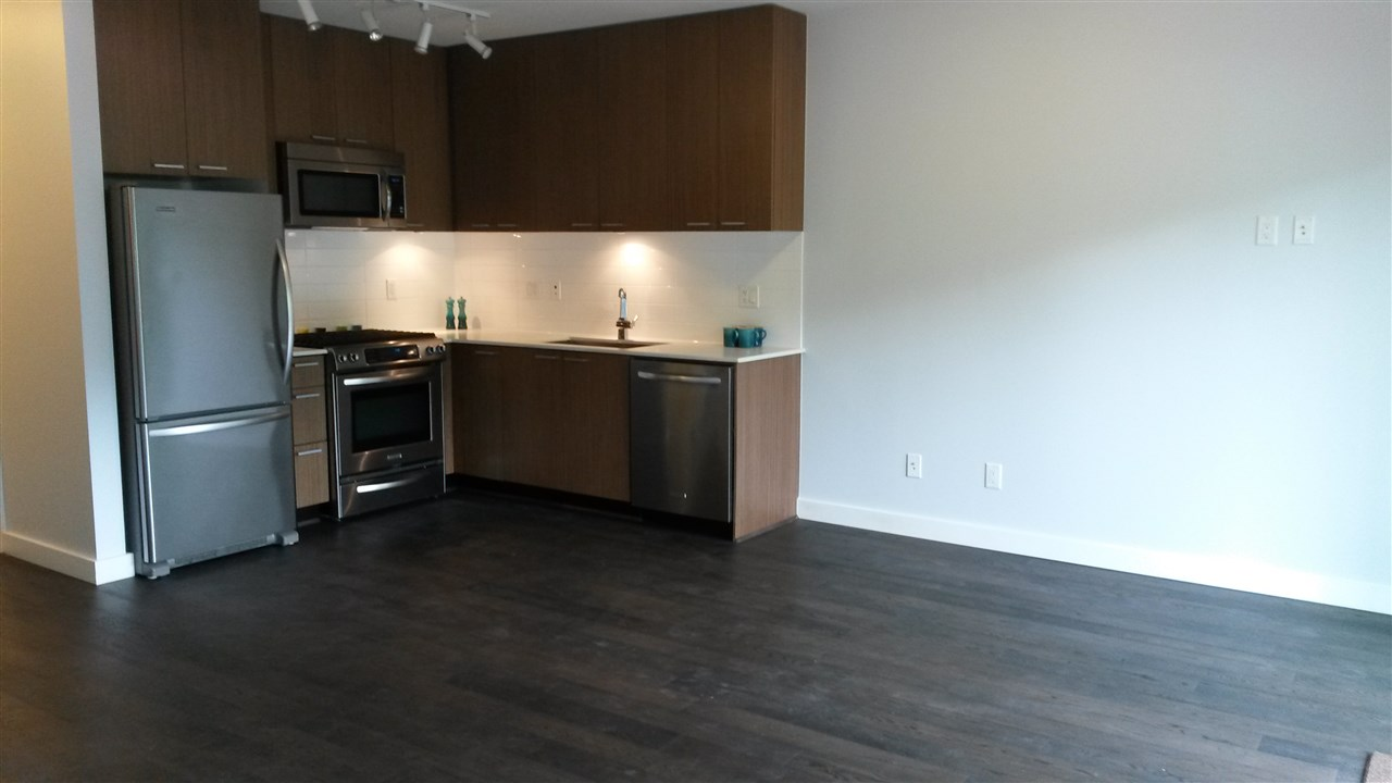 Photo 4: 214 1330 MARINE Drive in North Vancouver: Pemberton NV Condo for sale : MLS® # R2079472