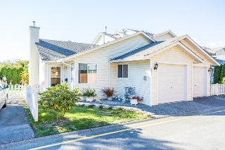 Main Photo: 501 20675 118 Avenue in Maple Ridge: Southwest Maple Ridge Townhouse for sale : MLS(r) # R2111252