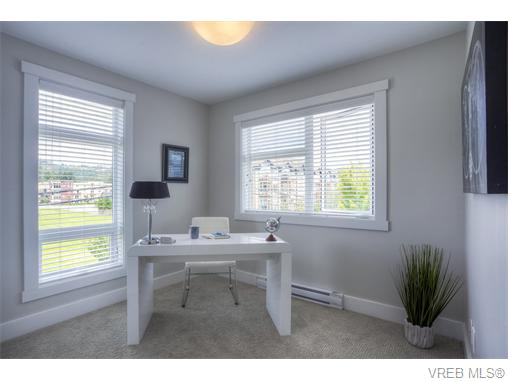Photo 12: 114 2737 Jacklin Road in VICTORIA: La Langford Proper Townhouse for sale (Langford)  : MLS® # 370985