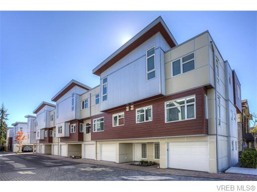 Main Photo: 114 2737 Jacklin Road in VICTORIA: La Langford Proper Townhouse for sale (Langford)  : MLS(r) # 370985