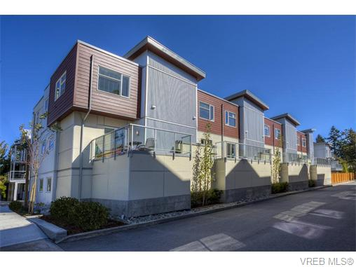 Photo 3: 114 2737 Jacklin Road in VICTORIA: La Langford Proper Townhouse for sale (Langford)  : MLS® # 370985