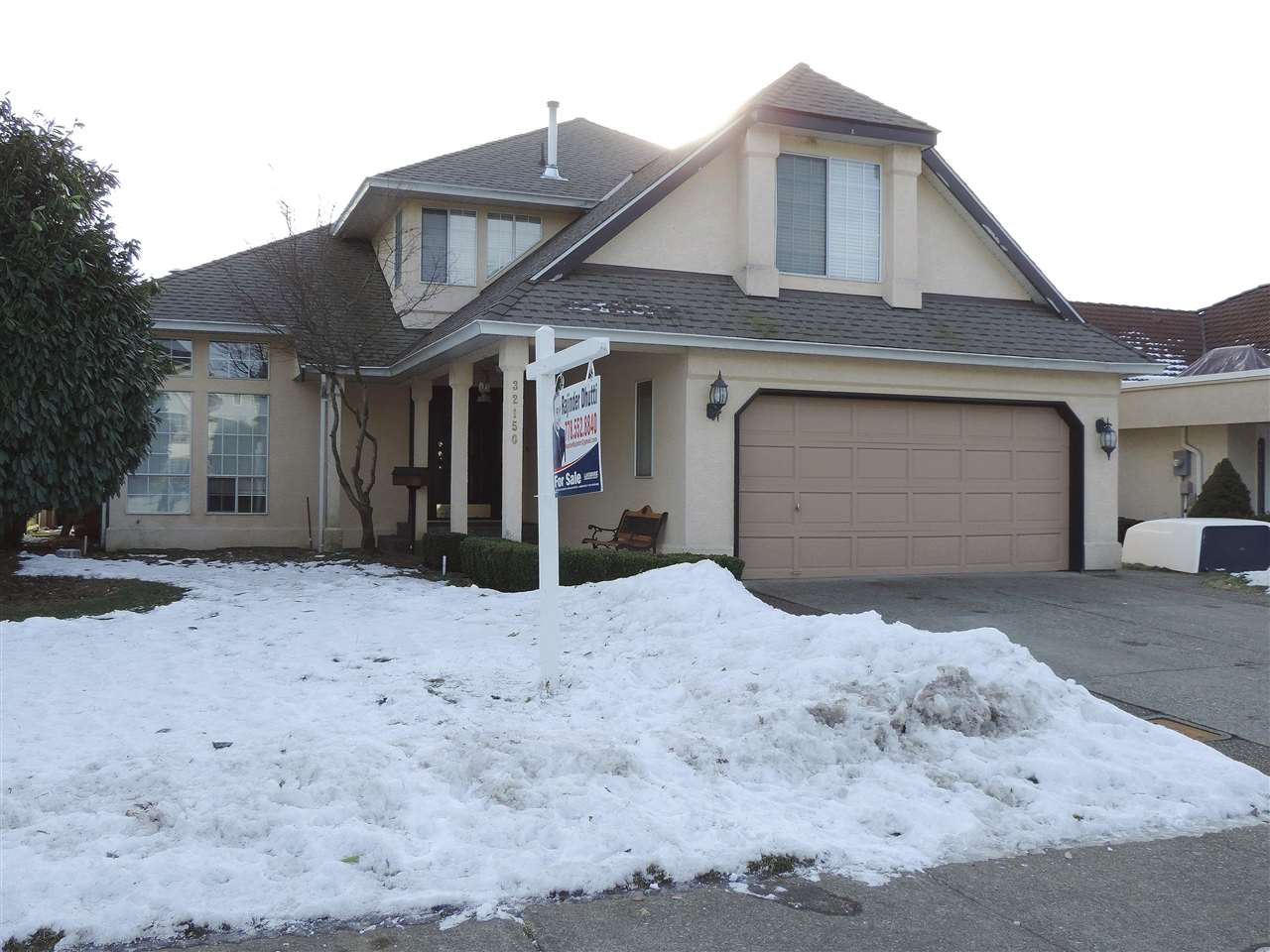 Main Photo: 32150 ELKFORD Drive in Abbotsford: Abbotsford West House for sale : MLS(r) # R2131195