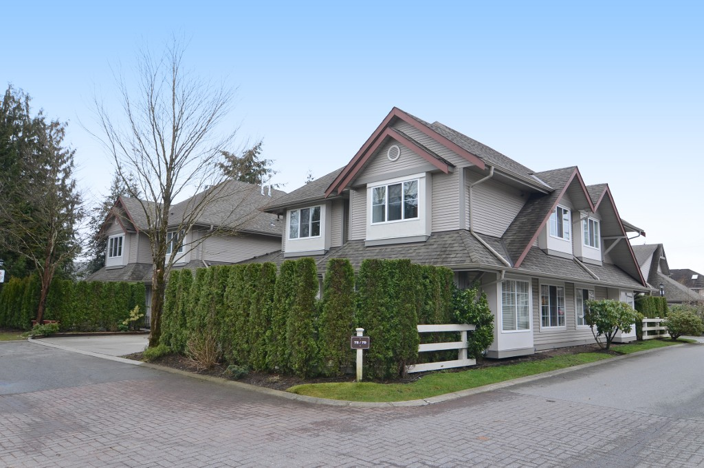 "Main Photo: 78 23085 118 Avenue in Maple Ridge: East Central Townhouse for sale in ""SOMMERVILLE GARDENS"" : MLS® # R2147846"