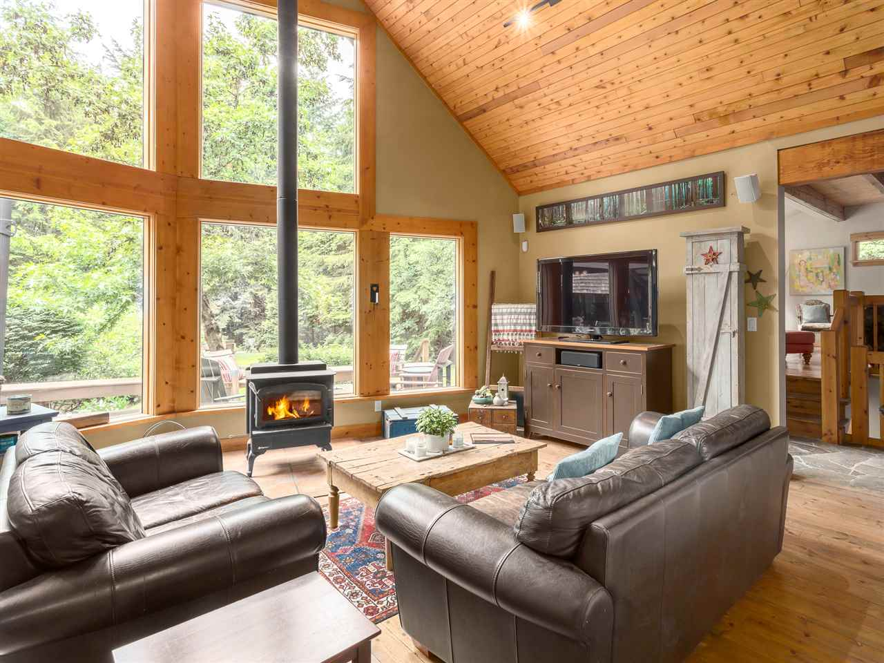 Photo 2: 2601 THE Boulevard in Squamish: Garibaldi Highlands House for sale : MLS® # R2176534