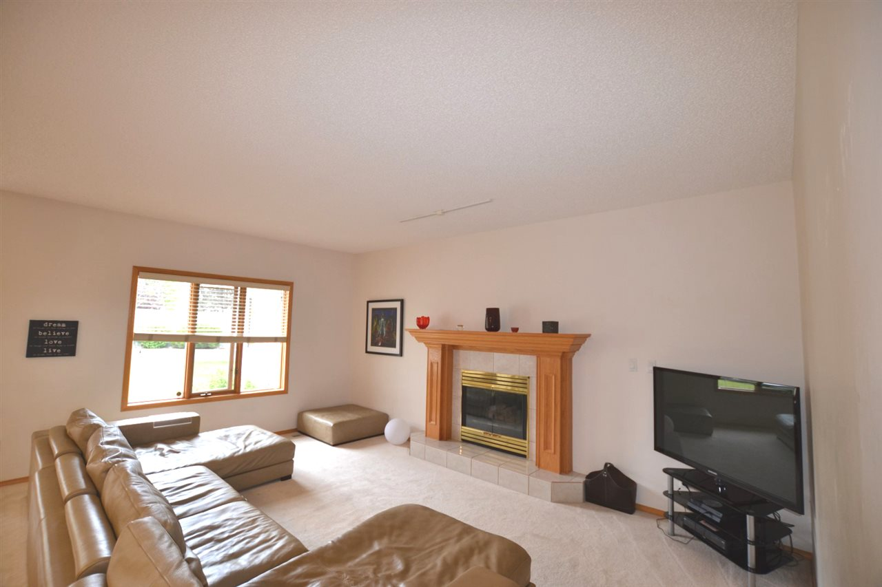 Photo 4: 3 LEE Place: St. Albert House for sale : MLS(r) # E4069832