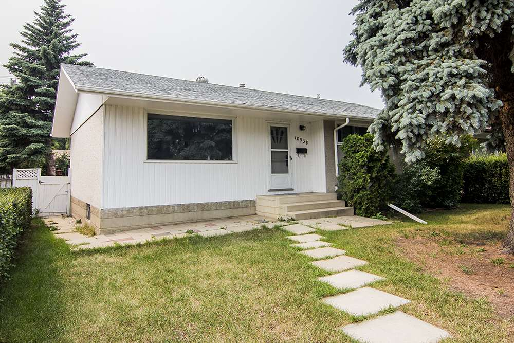 Main Photo: 10538 163 Street in Edmonton: Zone 21 House for sale : MLS(r) # E4074697