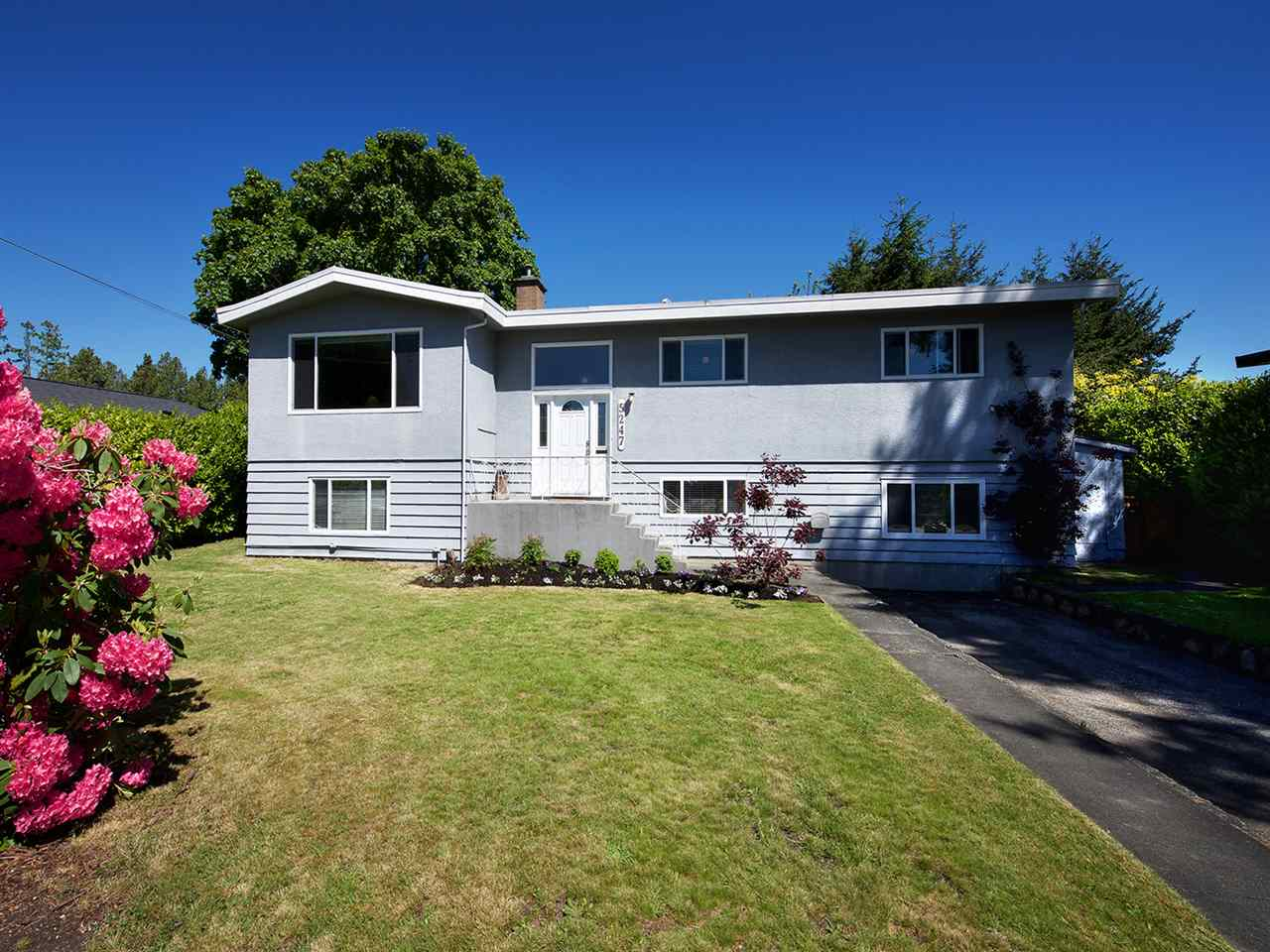Main Photo: 5247 10A AVENUE in Delta: Tsawwassen Central House for sale (Tsawwassen)  : MLS® # R2169273