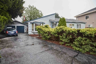 Main Photo: 6864 KILBURN Place in Surrey: West Newton House for sale : MLS® # R2198618