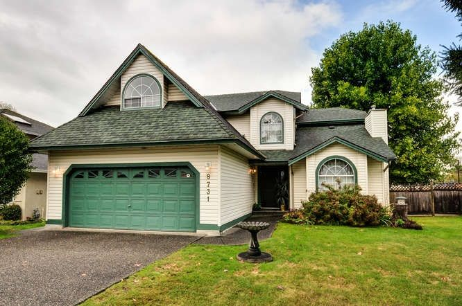 "Main Photo: 8731 140B Street in Surrey: Bear Creek Green Timbers House for sale in ""BROOKSIDE"" : MLS® # R2213009"
