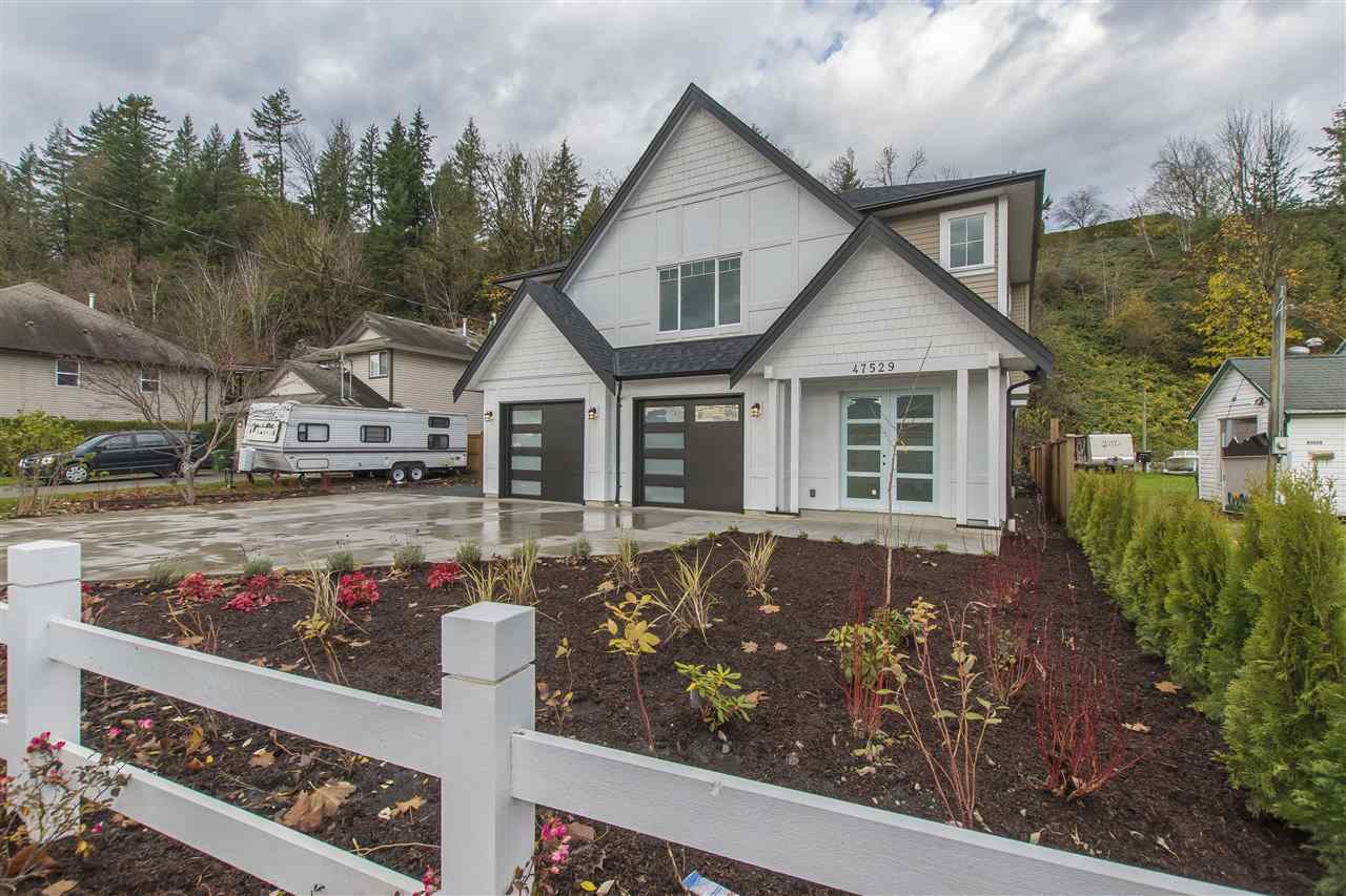 Main Photo: 47529 YALE Road in Chilliwack: Little Mountain House for sale : MLS®# R2221571