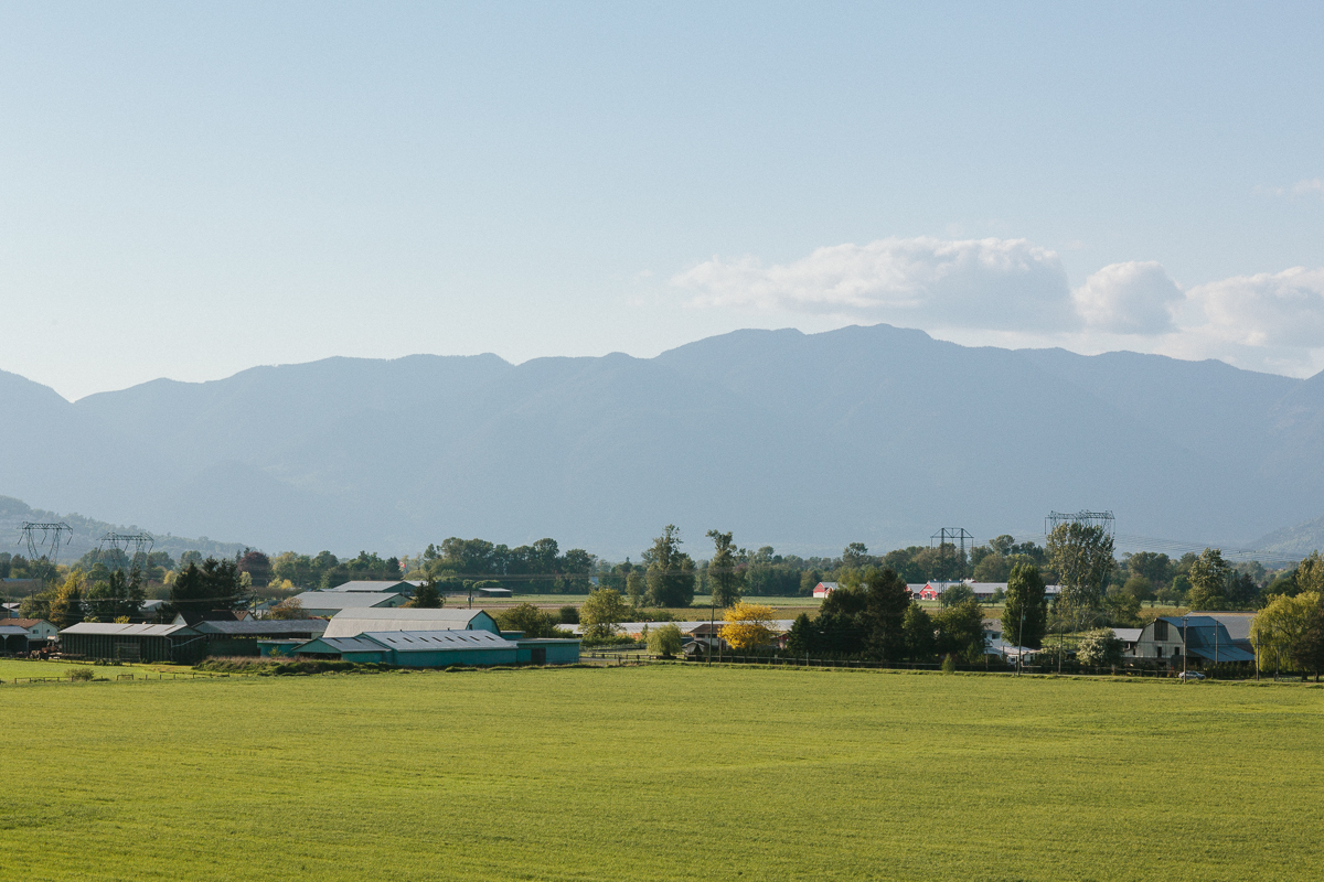 Main Photo: 9460 Gibsons Road in Chilliwack: Rosedale Center House for sale : MLS®# R2234324