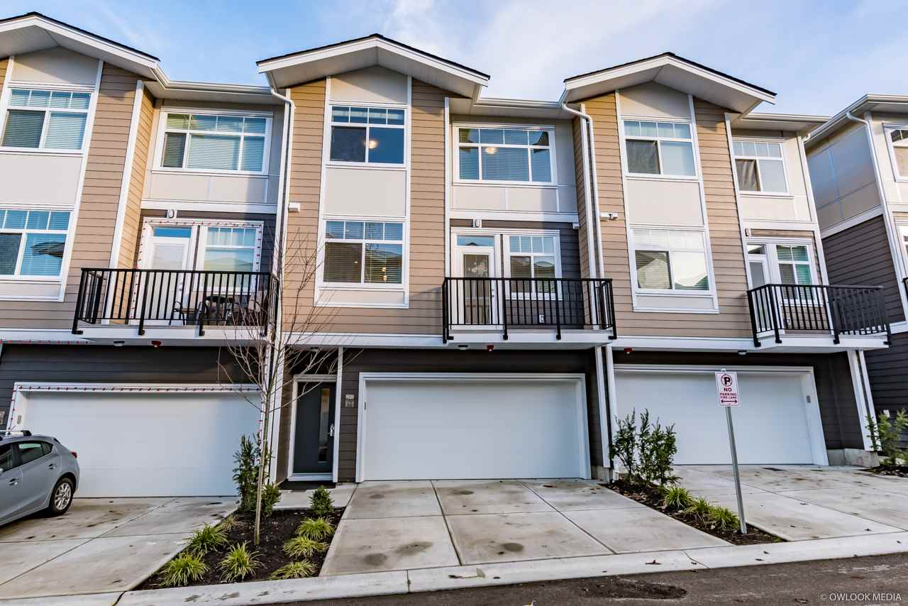 "Main Photo: 17 20901 83 Avenue in Langley: Willoughby Heights Townhouse for sale in ""ARGYLE"" : MLS®# R2234458"