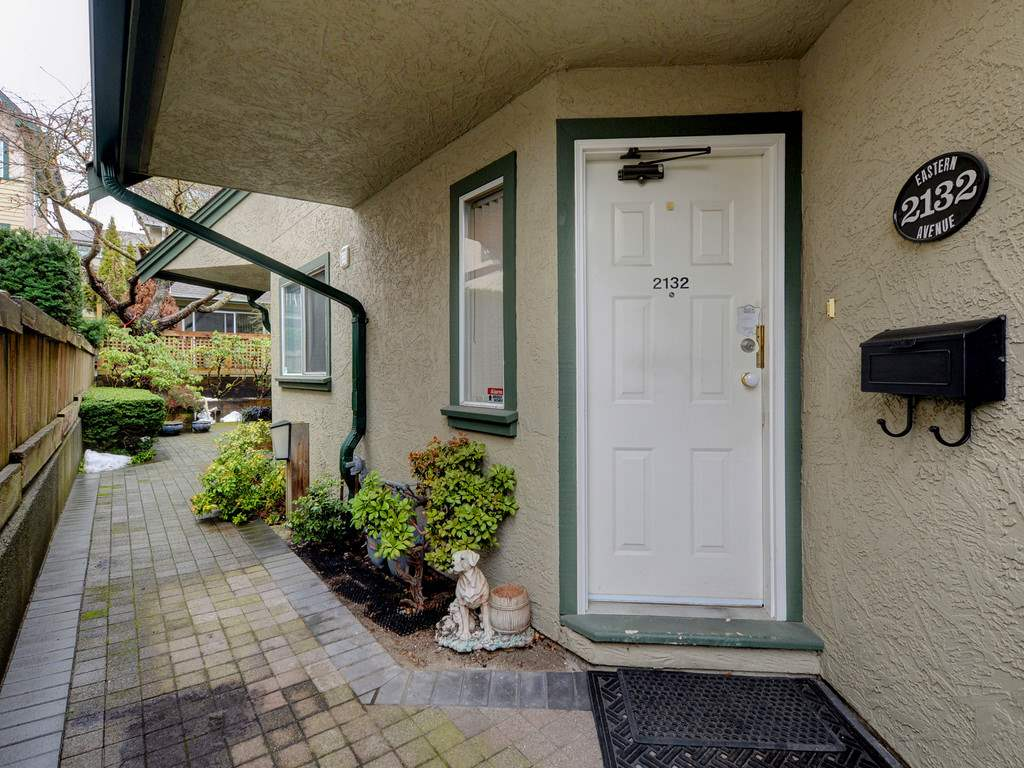 "Photo 19: Photos: 2132 EASTERN Avenue in North Vancouver: Central Lonsdale Townhouse for sale in ""OAK COURT"" : MLS® # R2244882"