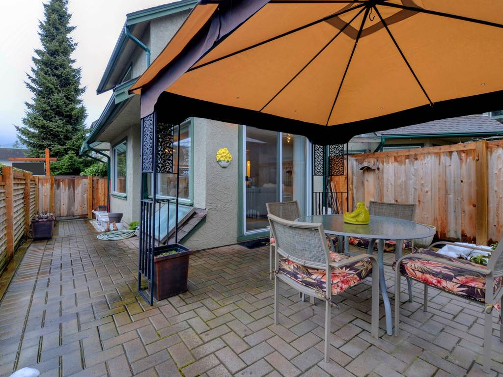 "Photo 10: Photos: 2132 EASTERN Avenue in North Vancouver: Central Lonsdale Townhouse for sale in ""OAK COURT"" : MLS® # R2244882"