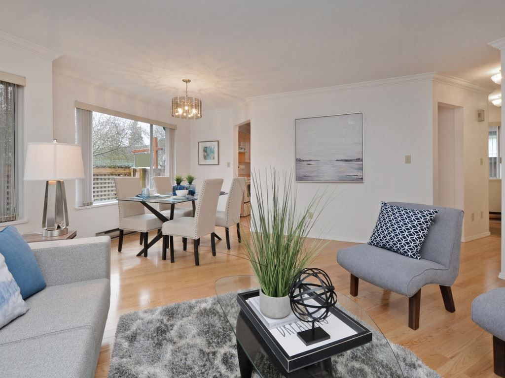 "Photo 3: Photos: 2132 EASTERN Avenue in North Vancouver: Central Lonsdale Townhouse for sale in ""OAK COURT"" : MLS® # R2244882"