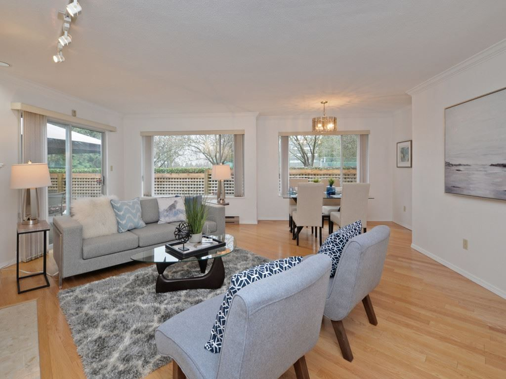 "Photo 4: Photos: 2132 EASTERN Avenue in North Vancouver: Central Lonsdale Townhouse for sale in ""OAK COURT"" : MLS® # R2244882"