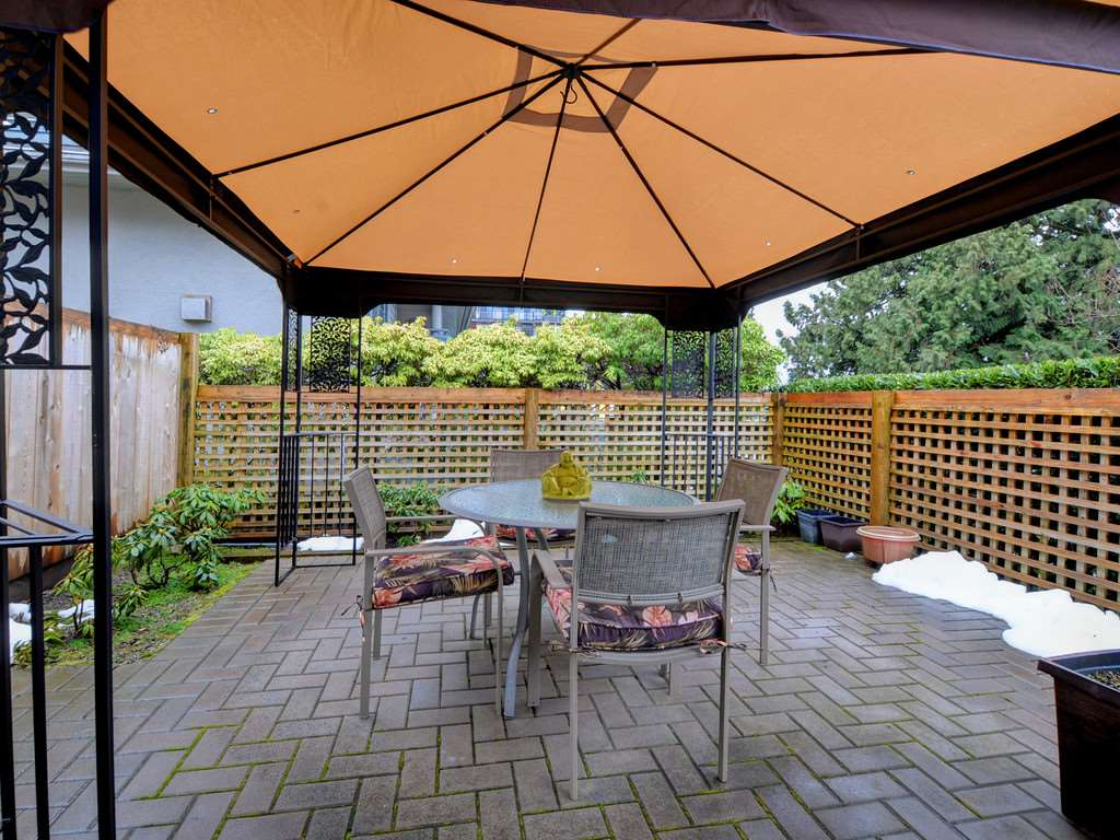"Photo 9: Photos: 2132 EASTERN Avenue in North Vancouver: Central Lonsdale Townhouse for sale in ""OAK COURT"" : MLS® # R2244882"