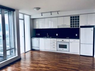 "Main Photo: 2101 131 REGIMENT Square in Vancouver: Downtown VW Condo for sale in ""SPECTRUM"" (Vancouver West)  : MLS®# R2280470"
