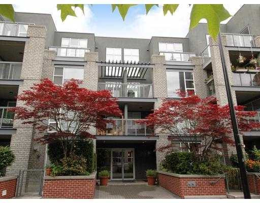 Main Photo: 101 2288 Marstrand Avenue in Vancouver: Kitsilano Condo for sale (Vancouver West)  : MLS® # V802855