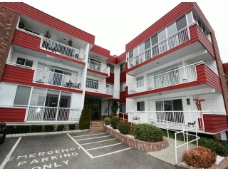 "Main Photo: 210 32025 TIMS Avenue in Abbotsford: Abbotsford West Condo for sale in ""Elmwood Manor"" : MLS(r) # F1402309"
