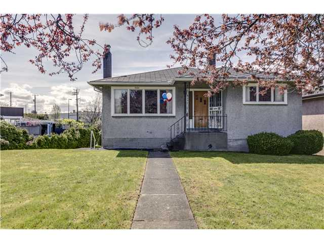 "Main Photo: 4584 BRENTLAWN Drive in Burnaby: Brentwood Park House for sale in ""BRENTWOOD"" (Burnaby North)  : MLS® # V1058589"