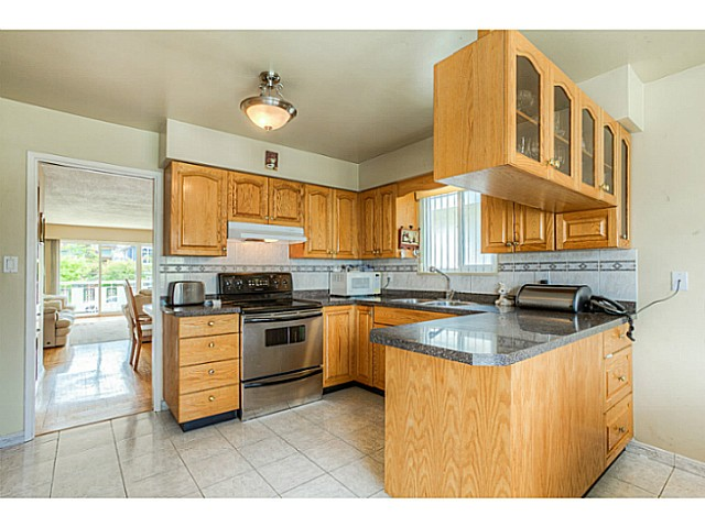 Photo 3: 3047 E 19TH Avenue in Vancouver: Renfrew Heights House for sale (Vancouver East)  : MLS® # V1064938