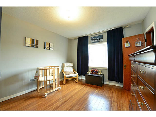 Photo 7: 4810 ALBERT Street in Burnaby: Capitol Hill BN House for sale (Burnaby North)  : MLS® # V1117852