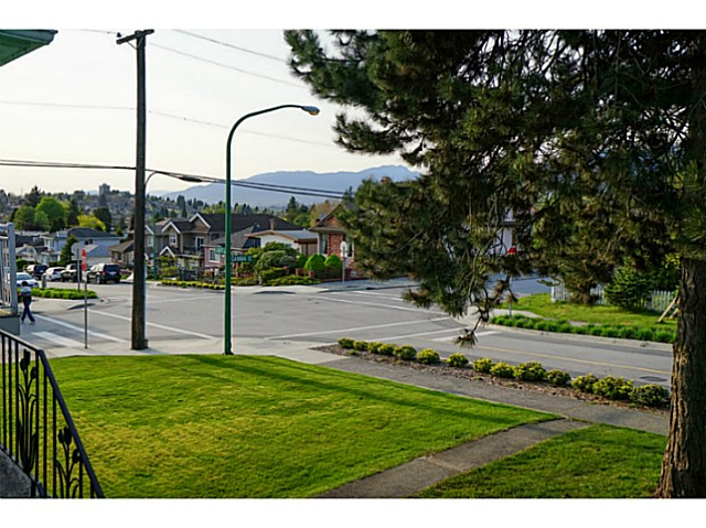 Photo 20: 4810 ALBERT Street in Burnaby: Capitol Hill BN House for sale (Burnaby North)  : MLS® # V1117852