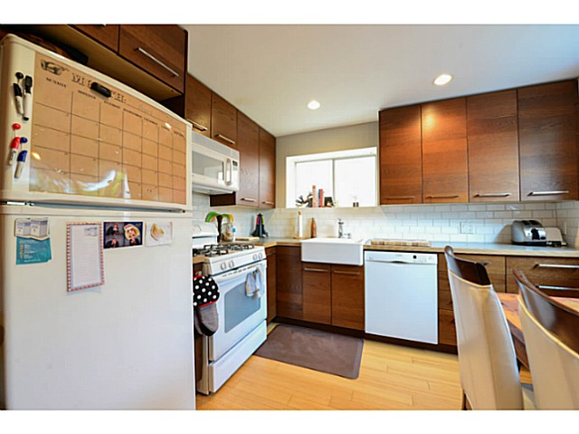 Photo 11: 4810 ALBERT Street in Burnaby: Capitol Hill BN House for sale (Burnaby North)  : MLS® # V1117852