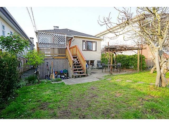 Photo 19: 4810 ALBERT Street in Burnaby: Capitol Hill BN House for sale (Burnaby North)  : MLS® # V1117852