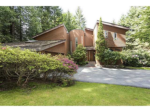 Main Photo: 8565 BEDORA Place in West Vancouver: Howe Sound House for sale : MLS(r) # V1122089