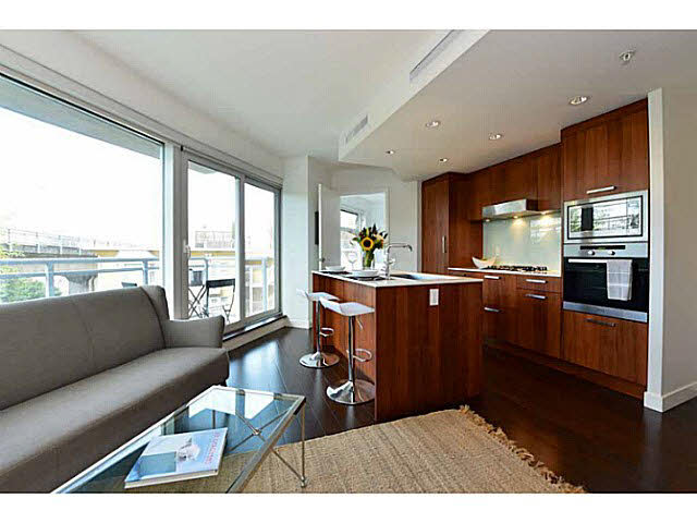 "Main Photo: 303 1565 W 6TH Avenue in Vancouver: False Creek Condo for sale in ""6th & Fir"" (Vancouver West)  : MLS® # V1143228"