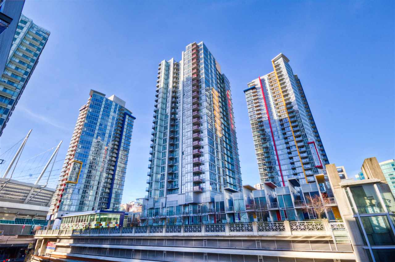 "Main Photo: 2701 131 REGIMENT Square in Vancouver: Downtown VW Condo for sale in ""SPECTRUM"" (Vancouver West)  : MLS® # R2032610"