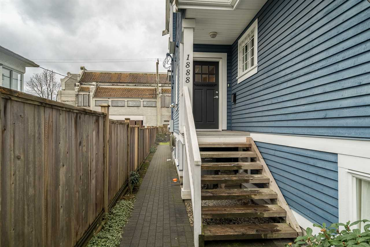 Photo 2: 1888 E 8TH Avenue in Vancouver: Grandview VE Townhouse for sale (Vancouver East)  : MLS(r) # R2033824