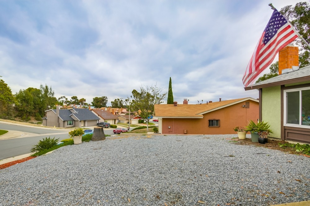 Photo 2: ENCANTO House for sale : 4 bedrooms : 7217 HAGMANN STREET in San Diego
