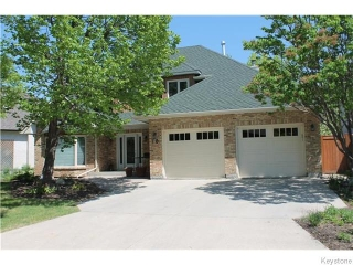 Main Photo: 19 Park Meadows Drive in Winnipeg: Westwood / Crestview Residential for sale (West Winnipeg)  : MLS® # 1613300
