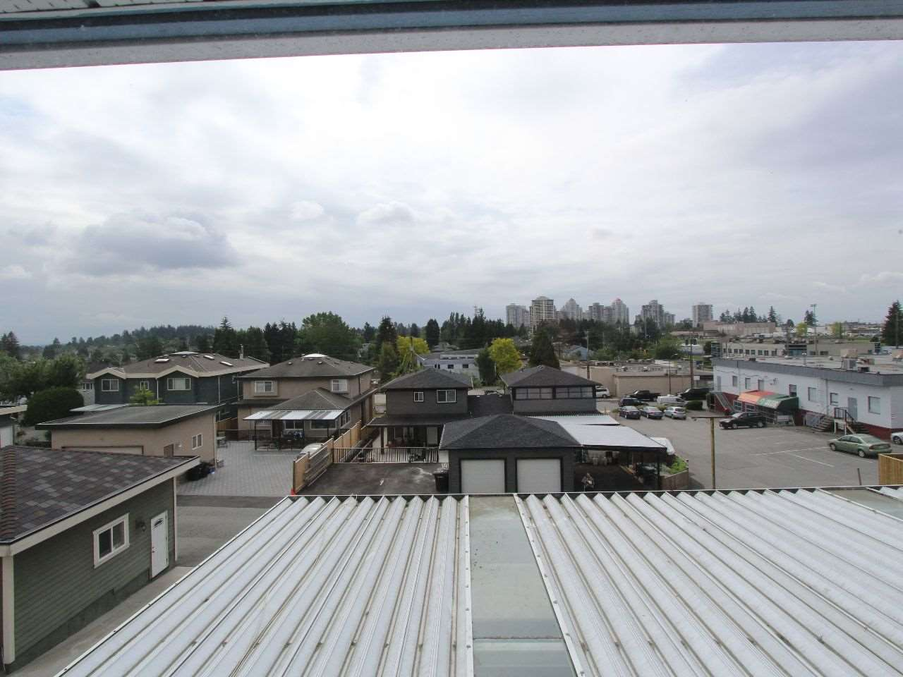 Photo 15: 7926 12TH Avenue in Burnaby: East Burnaby House for sale (Burnaby East)  : MLS® # R2071909